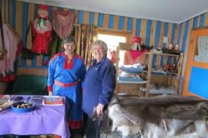 Sami vrouw en Ineke